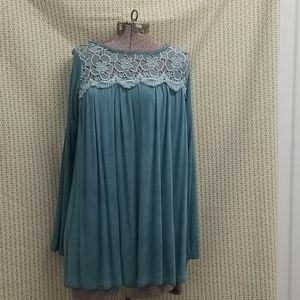 Easel Blue Lace long sleeved tunic top